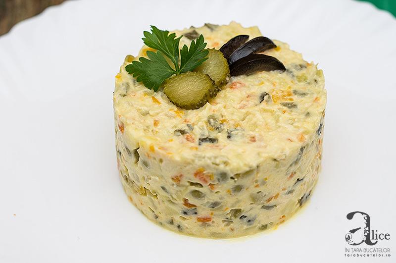 Salata Boeuf cu piept de pui