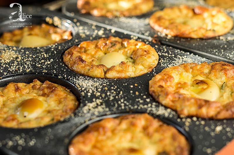 Briose de cartofi cu oua de prepelita