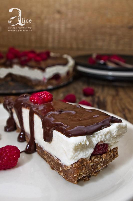 Cheesecake cu zmeura si ciocolata, fara coacere