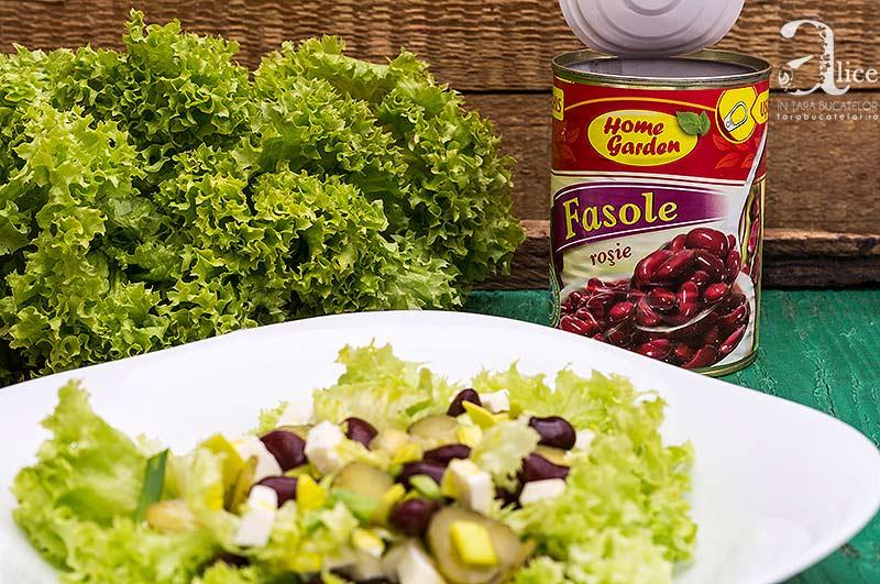 Salata cu fasole rosie si branza feta