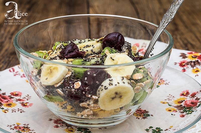 Salata de fructe si chia