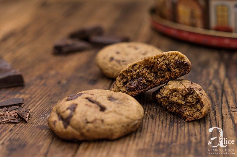 Cookies cu ciocolata si unt de alune de padure