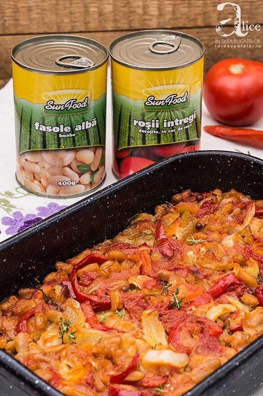 Mancare de fasole alba si legume la cuptor