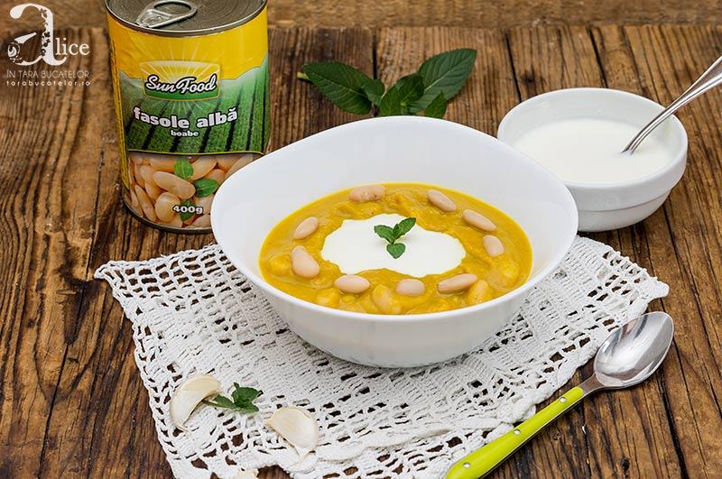 Supa crema de dovleac cu fasole alba