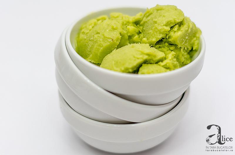 Inghetata de avocado fara zahar