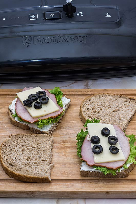 Cu FoodSaver avem sandvisuri mereu proaspete
