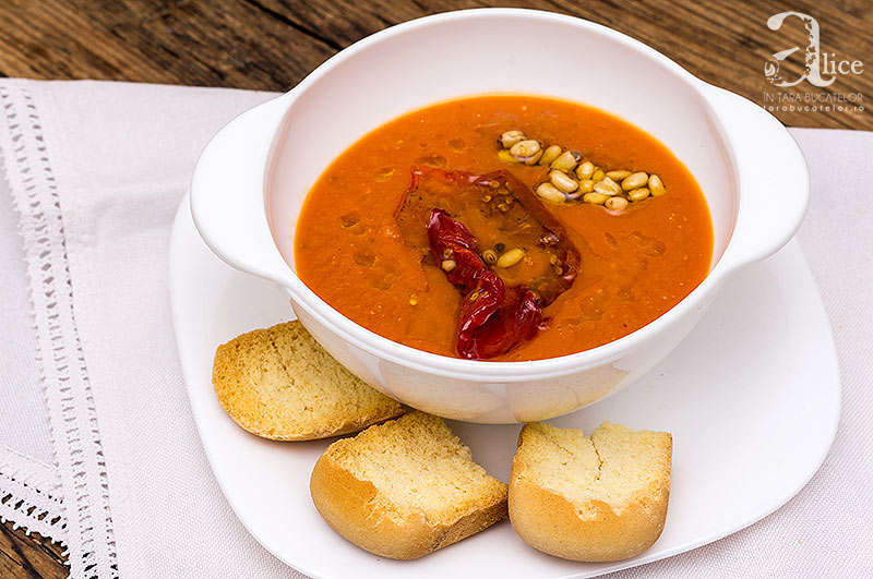 Supa crema de morcovi si rosii coapte