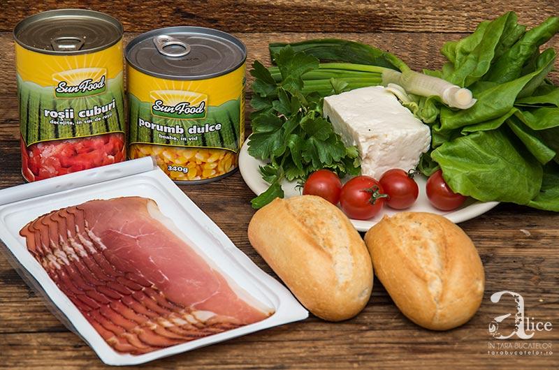 Sandvis cu porumb picant si bacon