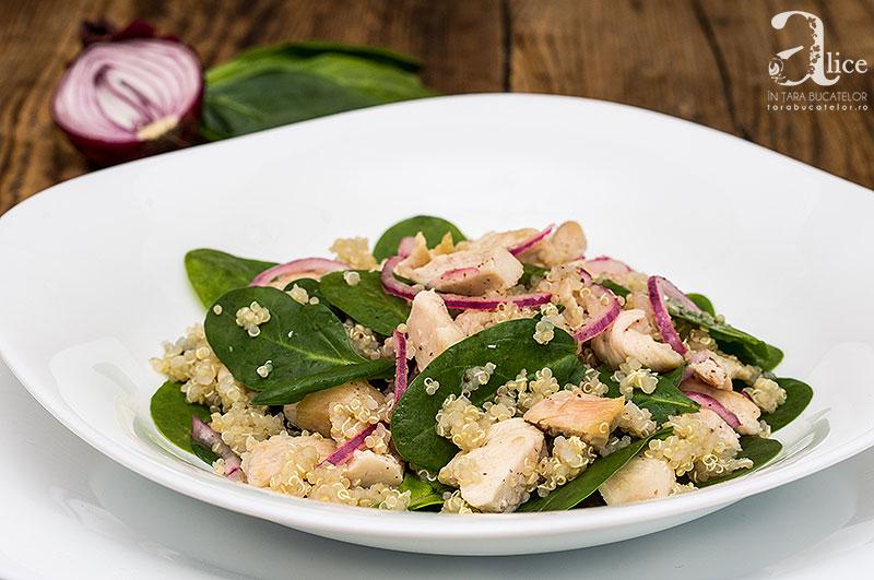 Salata de piept de pui si quinoa