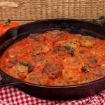 chiftele-de-ciuperci-si-naut-cu-sos-de-rosii-5