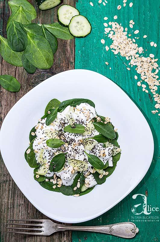 Salata de spanac cu branza feta si chia