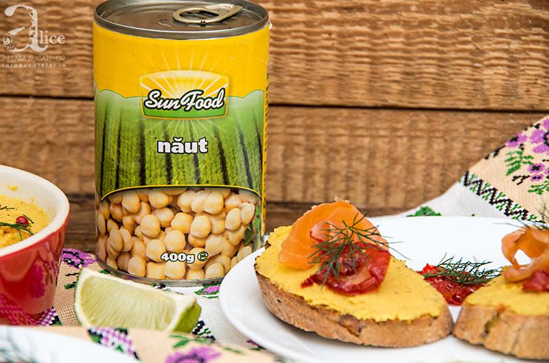 crostini-cu-pasta-de-naut-si-somon-2