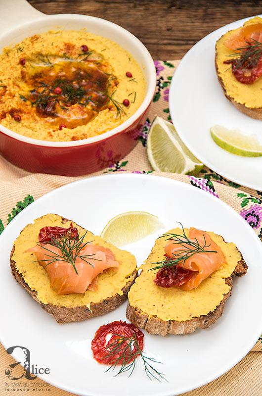 crostini-cu-pasta-de-naut-si-somon-4