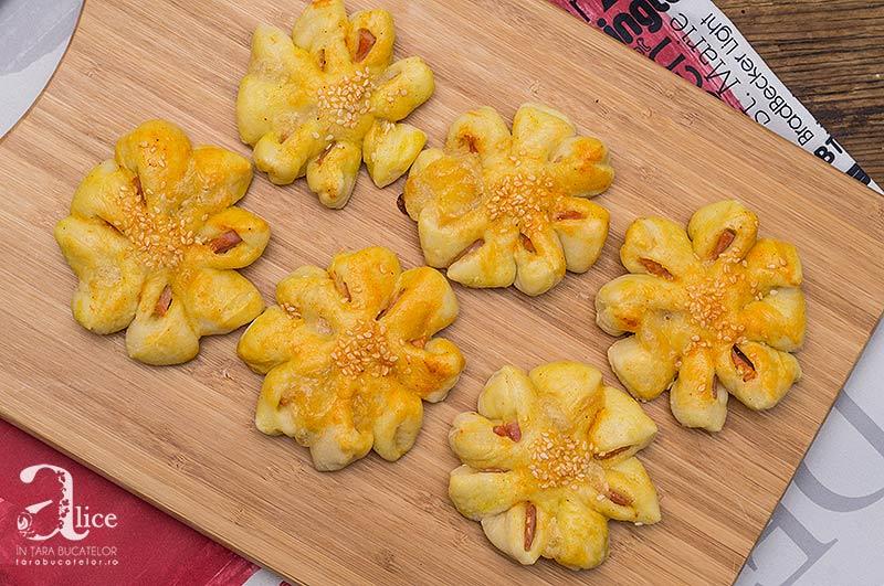 floricele-cu-sunca-si-mozzarella-5