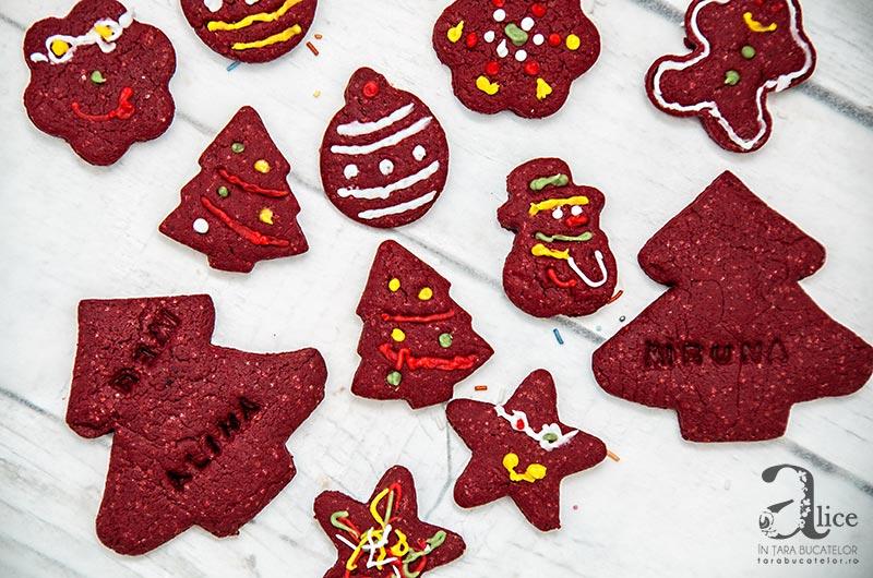 Biscuiti Red Velvet cu frosting