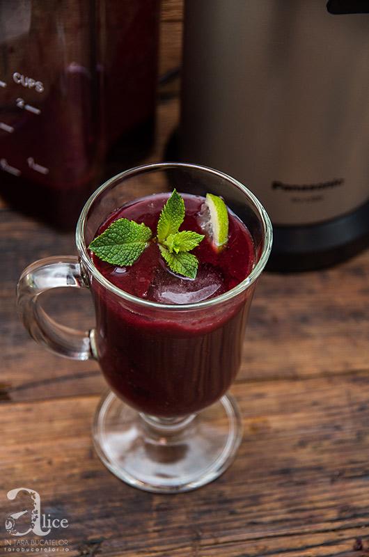 Suc de fructe de padure