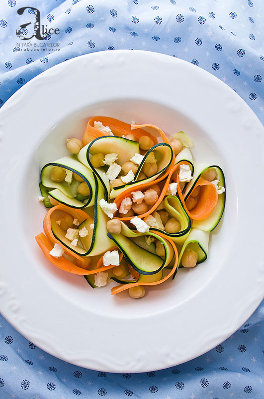 Salata de dovlecel cu naut