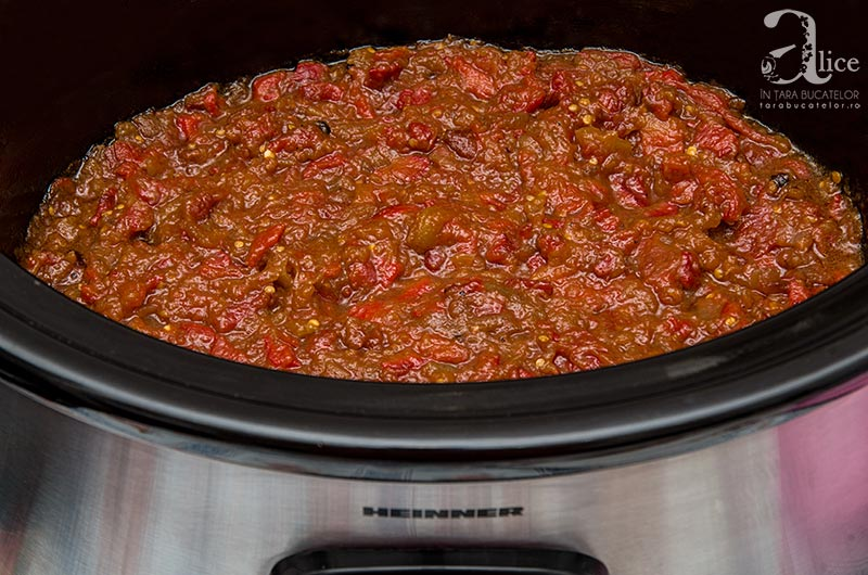 Zacusca la slow cooker