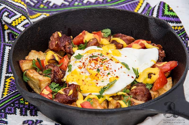 Tigaie picanta cu chorizo si cartofi