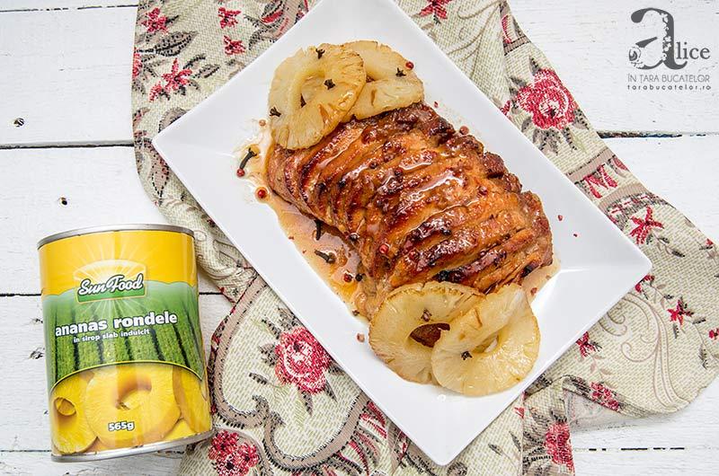 Antricot glazurat cu miere si ananas