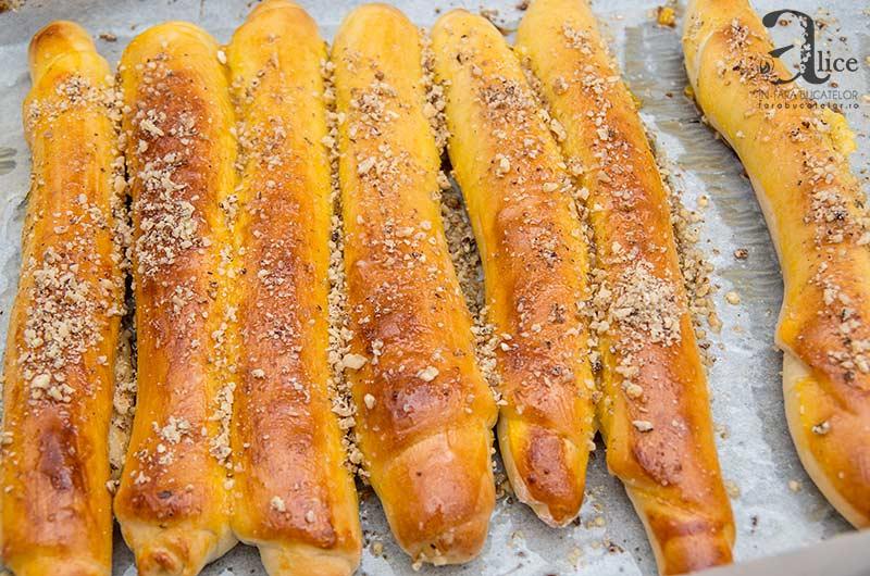 Batoane insiropate cu ananas