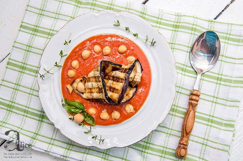 Supa crema de rosii coapte cu vinete la gratar