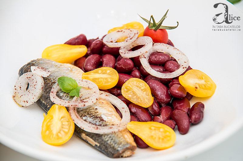 Salata de hering si fasole rosie