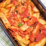 Cartofi cu rosii si branza la cuptor