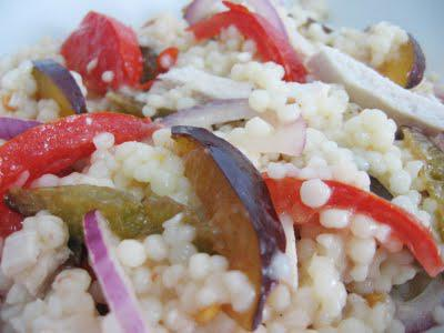 Salata de pui cu prune si cuscus