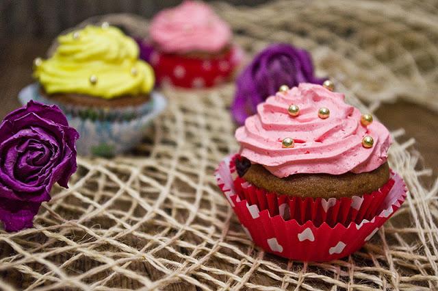 Cupcakes cu spuma de lapte