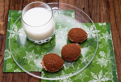 Nuci cu crema de vanilie si cacao