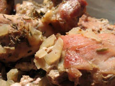 Friptura de porc cu ceapa la tava