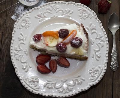 Prajitura cu fructe si bezea