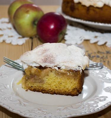 Tarta cu mere coapte si lavanda