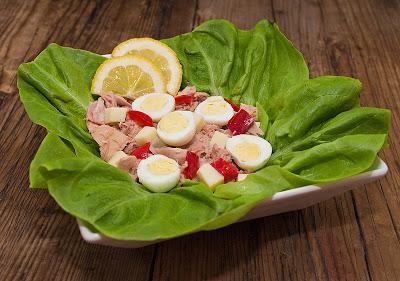 Salata de ton cu oua de prepelita